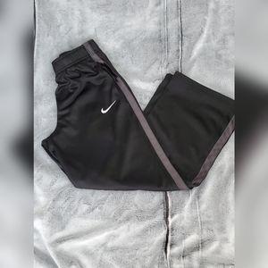 Nike Loose Fit Pants Youth Medium